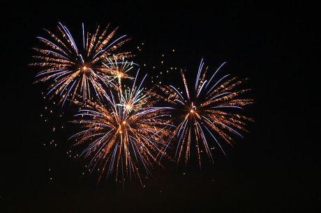 800px-Fireworks4_amk
