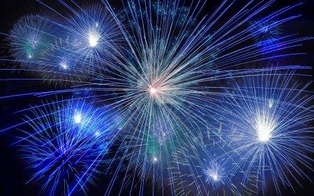 fireworks-574739_1920